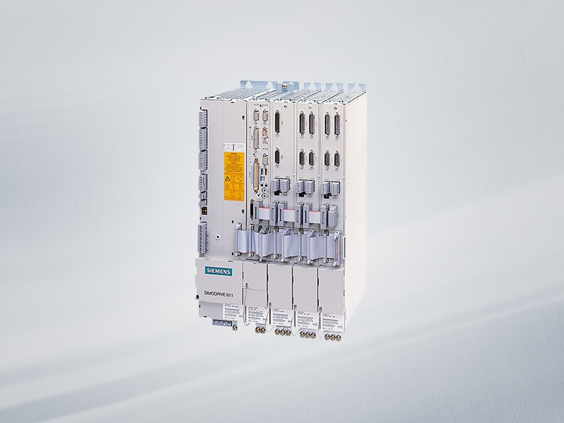 6SN1124-1AA00-0JA1 NEU / NEW Siemens SIMODRIVE 611 LEISTUNGSMODUL, 1-ACHS, 300 A