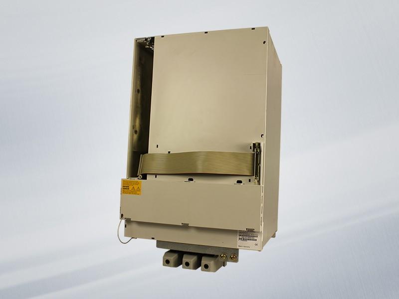 6SN1123-1AA00-0KA1 NEU / NEW Siemens SIMODRIVE 611 LEISTUNGSMODUL, 1-ACHS, 400 A